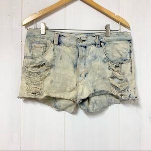 Aritzia Talula Distressed Shorts Size 30
